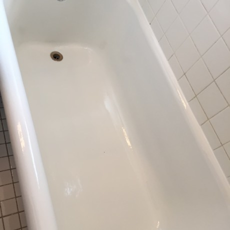 image of gla tub after refinishing