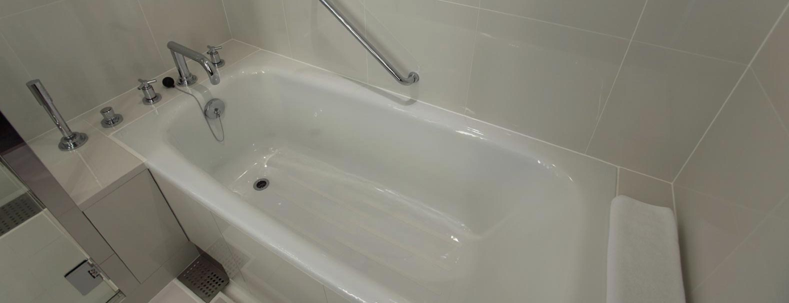 image of a full sized bathtub refinish